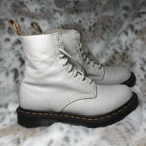 Dr Martens Pascal boots in white